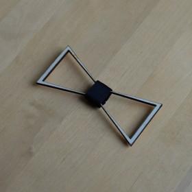 Papion de lemn, personalizat, model Sensibility